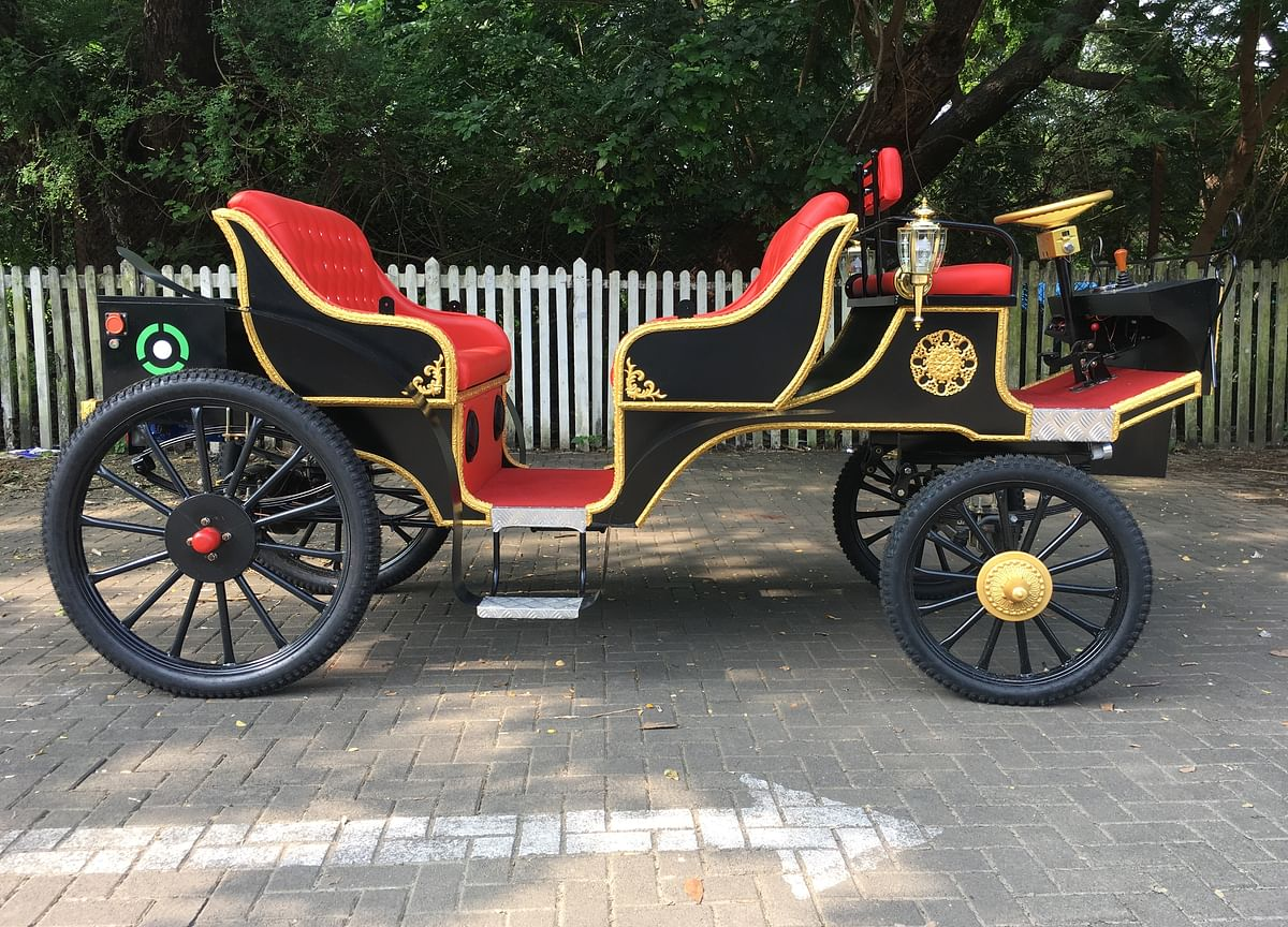 Mumbai's Iconic Victoria Carriages Will Soon Be Back With A Makeover
