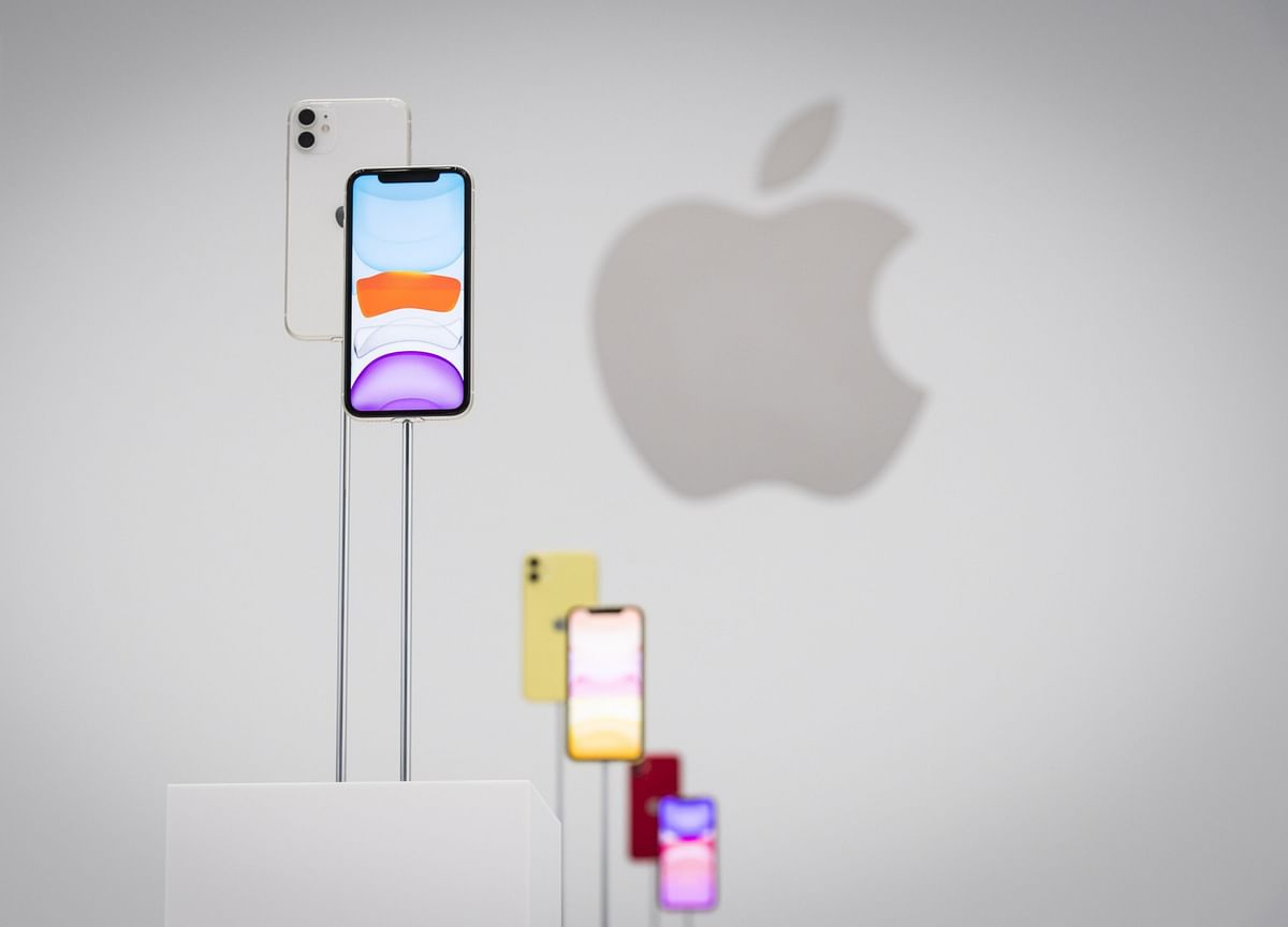 Apple Bets on Cameras, New ProModel to Sell Its Latest iPhones