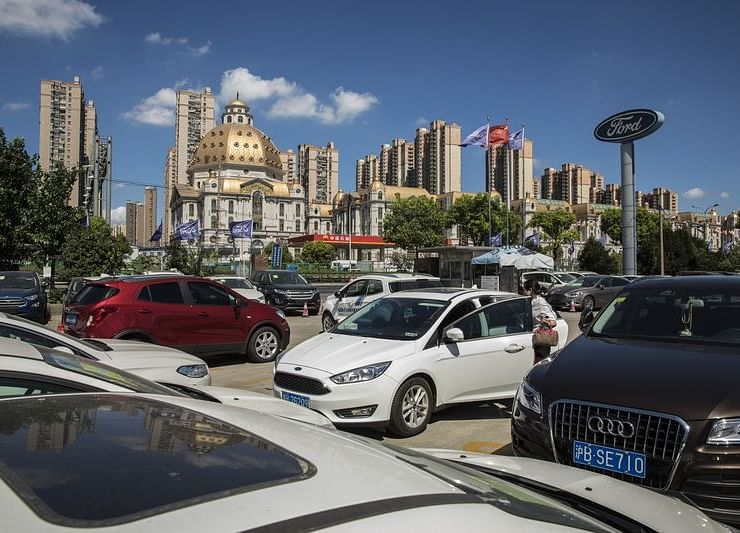 Chinese Automobile Sales Decline for 14th Time in 15 Months