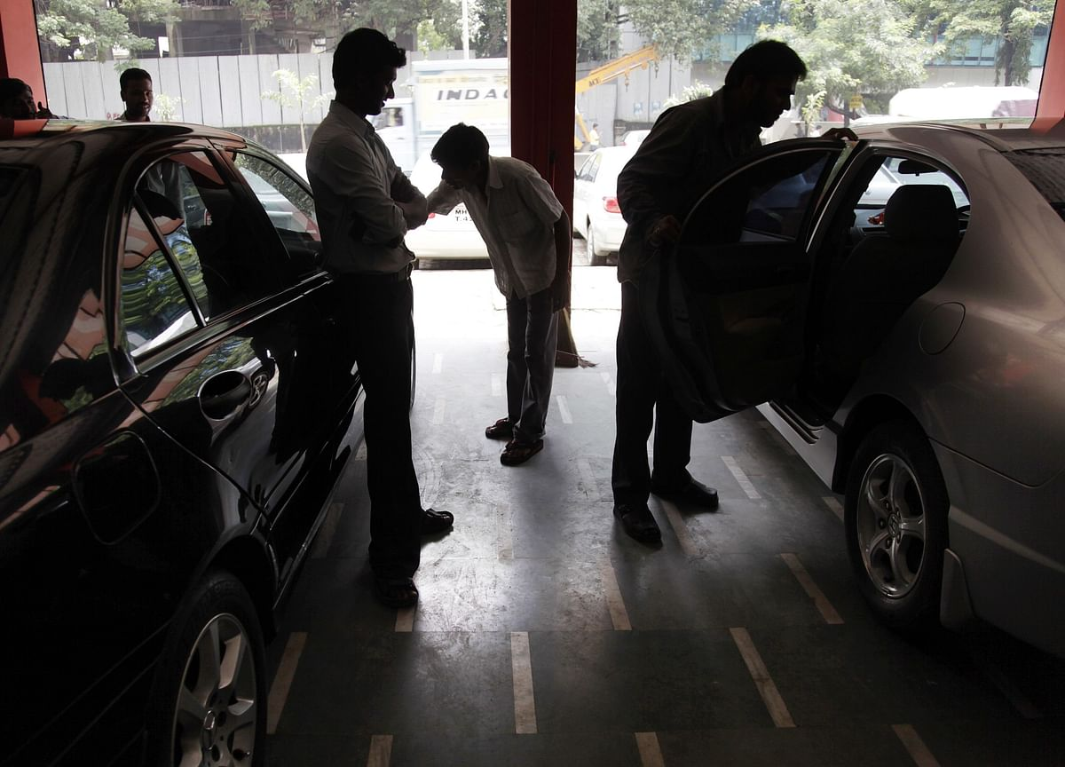 Real Economy Check: Real Estate, Not Financing, Is A Problem For Used Car Dealer Broker Dalal Premium