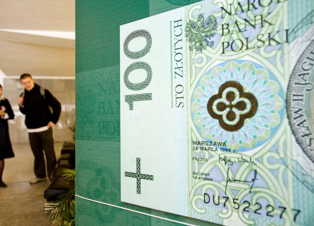 Employers Ring Alarm as Poland Promises to Double Minimum Wage