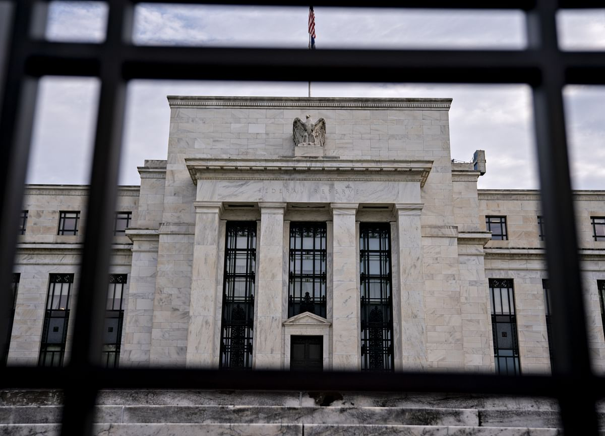 Fed Says Most Businesses Are Optimistic, Consumer Spending 'Mixed'