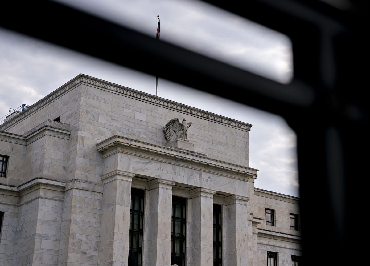 Will-They-Won't-They Fed Drama Upends $1.9 Billion Rate-Cut Bet