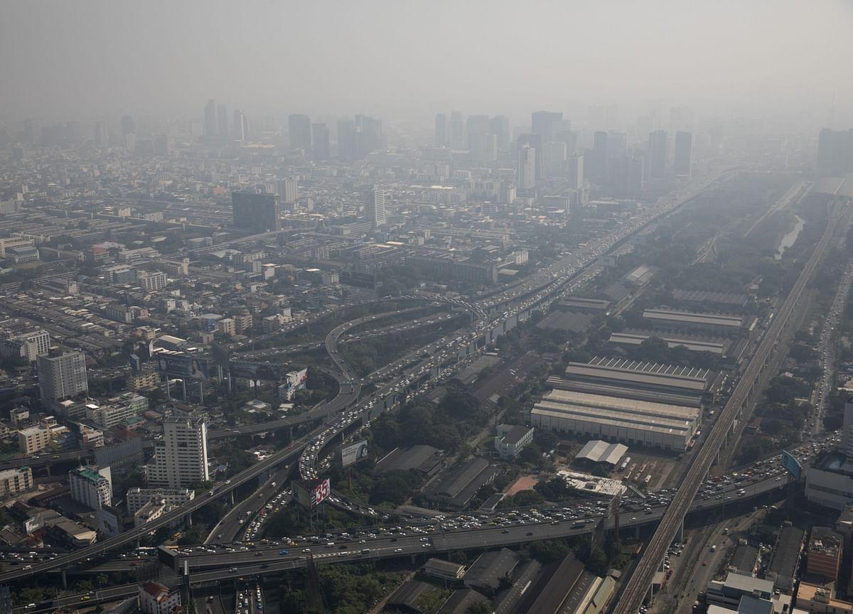 Bangkok Smog Prompts Thai Premier to WarnPeople to Wear Masks