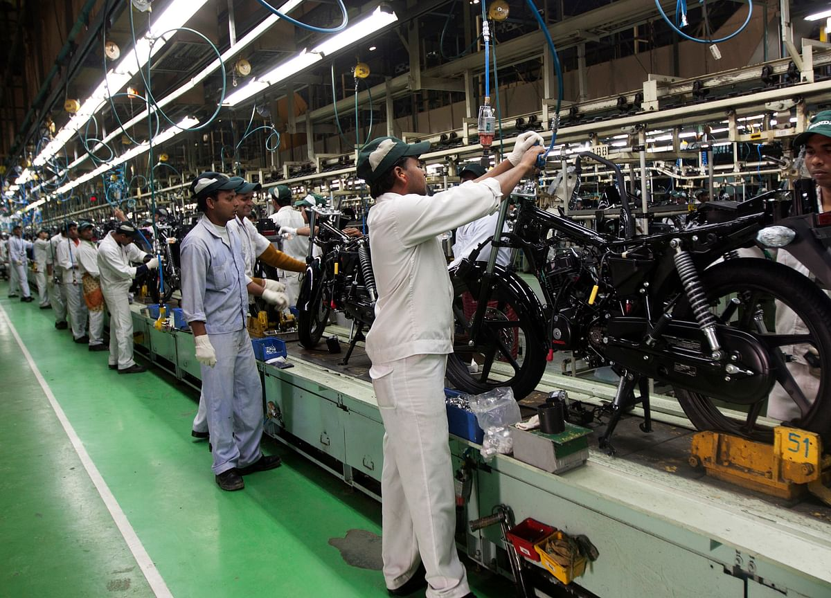 Auto Inventory Jumps Sevenfold In August As Two-Wheeler Makers Seek To Boost Festive Sales