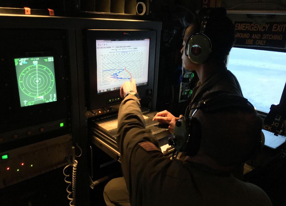 How the U.S. Weather Corps Hunts Hurricanes