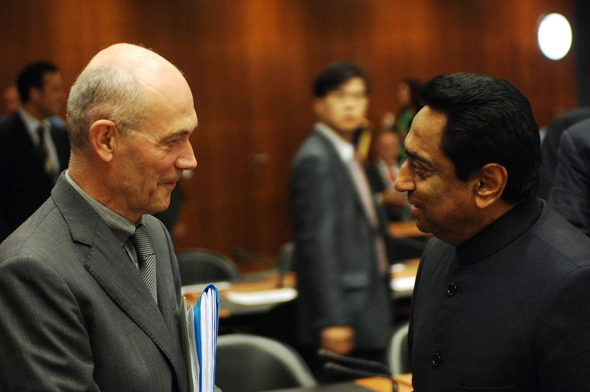 Pascal Lamy, then-DG, WTO, speaks to then-Commerce Minister Kamal Nath, at the unsuccessful 'July 2008 Package' meeting convened to break the Doha Round deadlock, in Geneva, on July 23, 2008. (Photograph: WTO)
