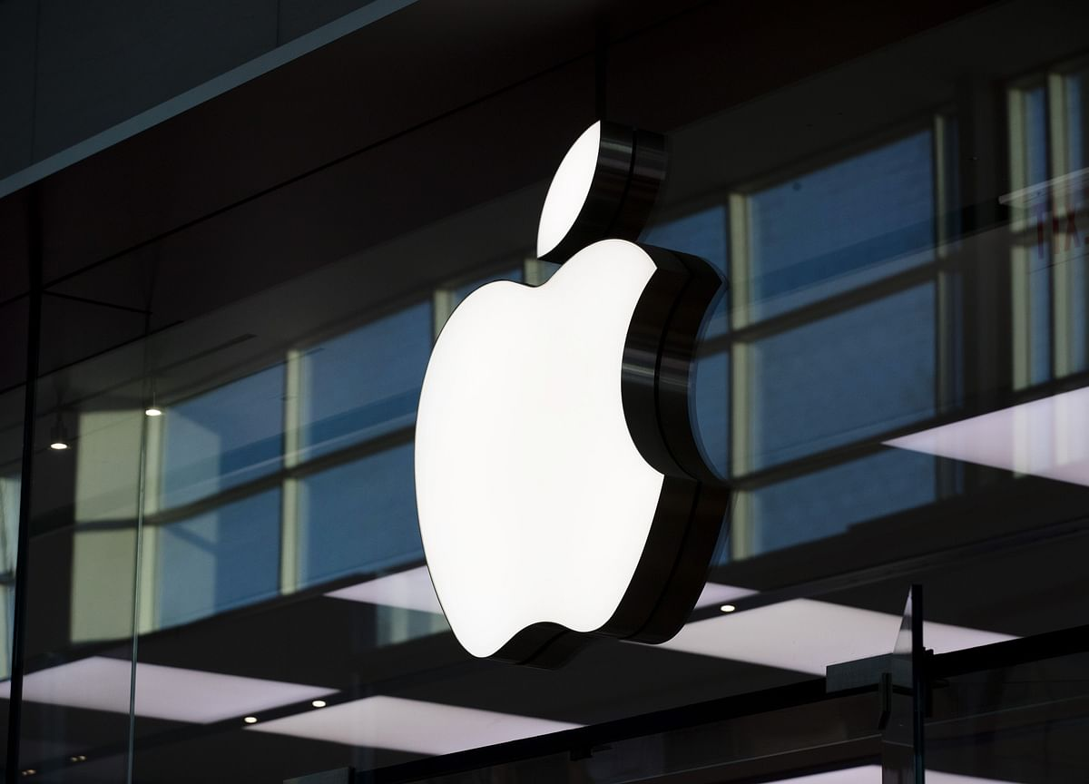 Apple's Top Communications Chief Steve Dowling Leaves Company