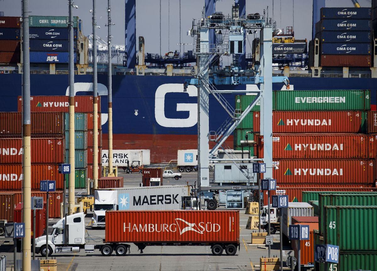 U.S. Imports of Consumer, Capital Goods Jump Amid Tariff Threat