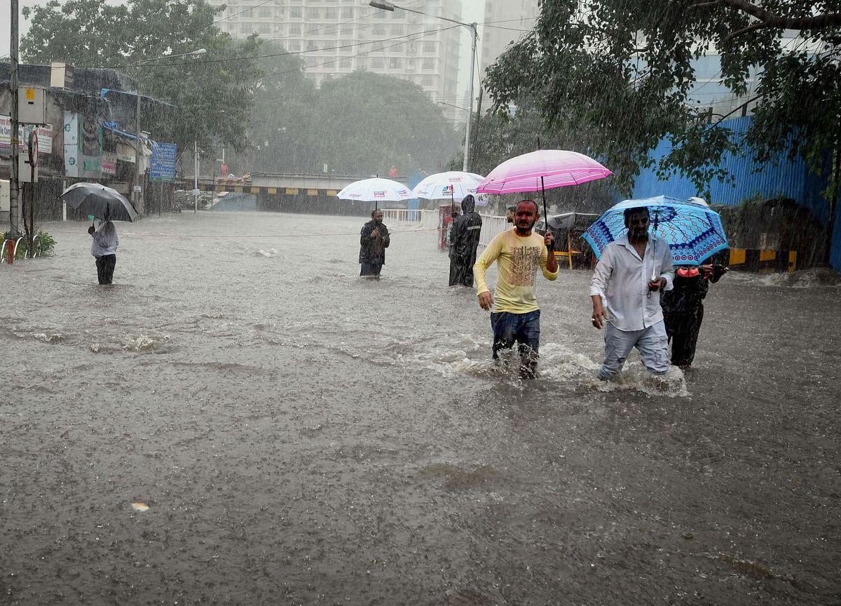 IMD Issues 'Red Alert' As Heavy Rains Pound Mumbai