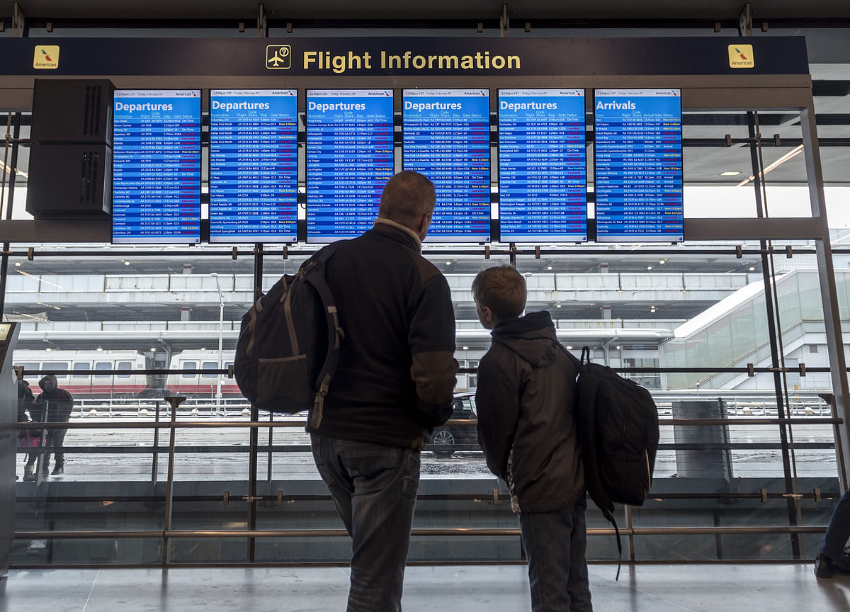 Flight Cancellations Mount as Dorian Lashes U.S. Southeast Coast