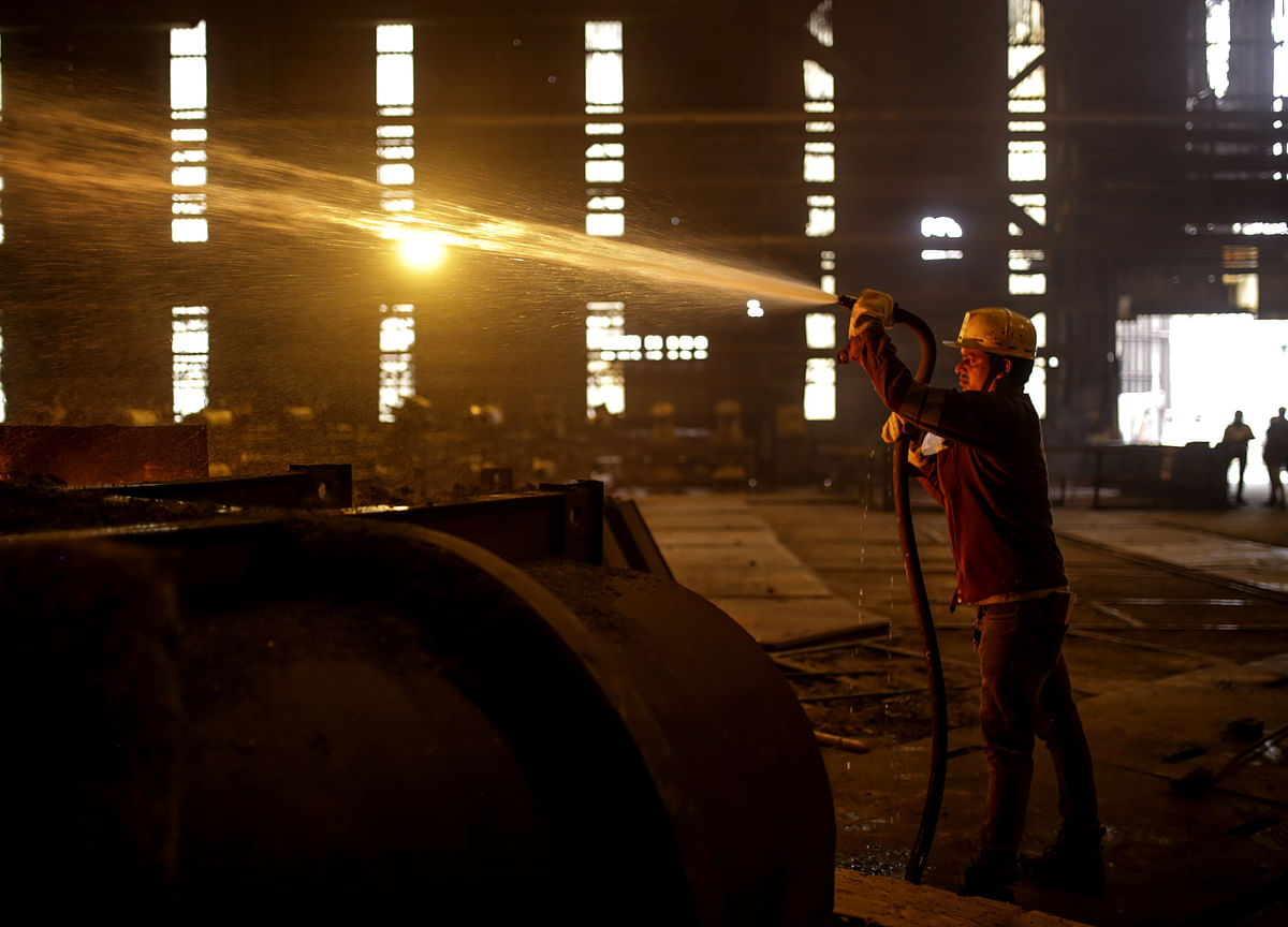 Steel Outlook Dims as Iron Ore Powerhouse Flags Growth Woes
