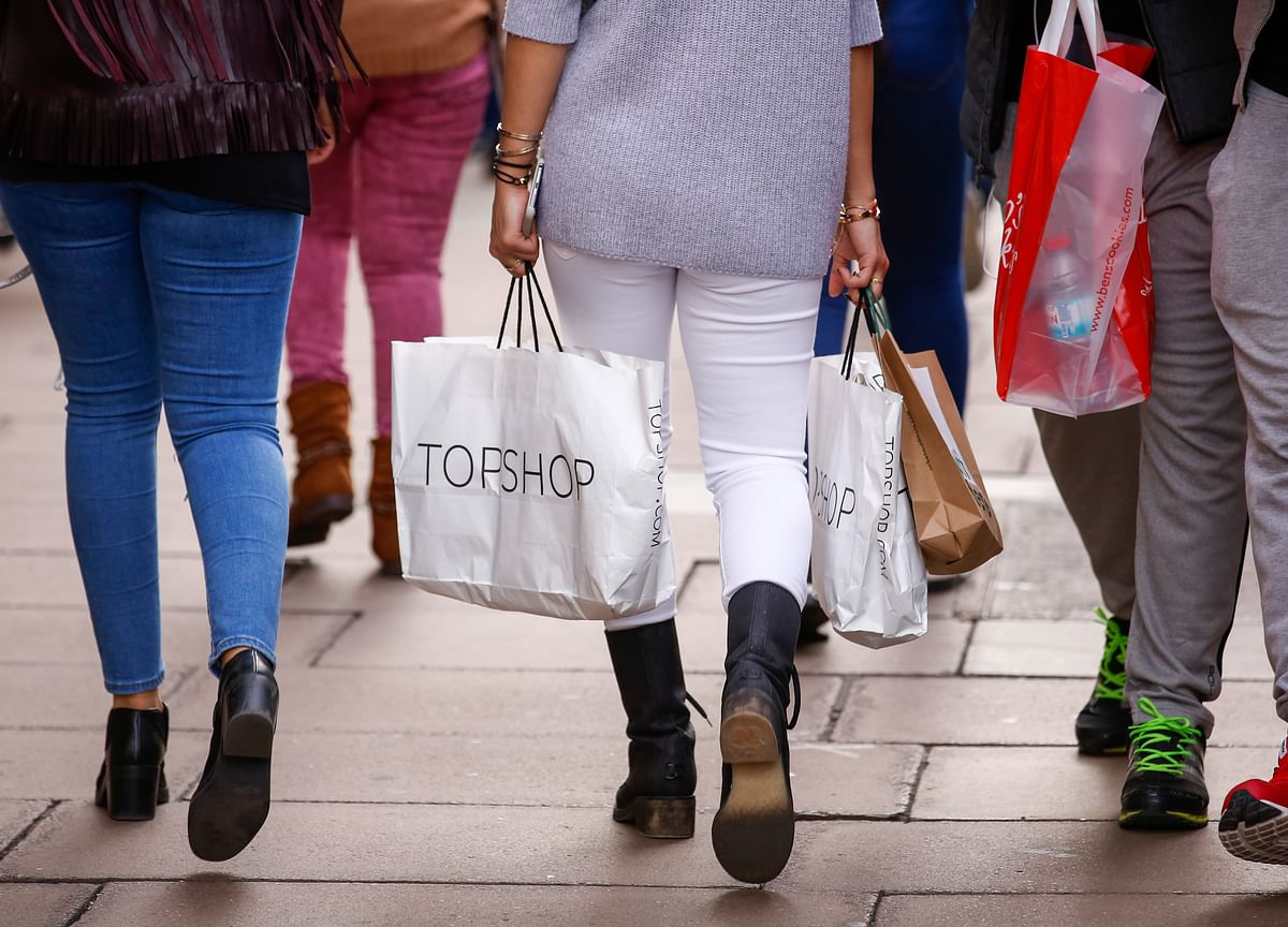 U.K. Retail Sales Extend Worst Run on Record