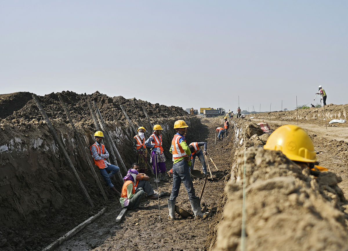 IndiaInfrastructure Output Contracts First Time in Over 4 Years