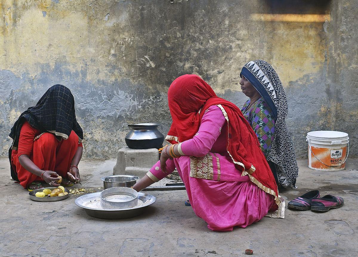 Congress Slams Modi Government Over Economy, Says Rural India 'Driven Into Hole'