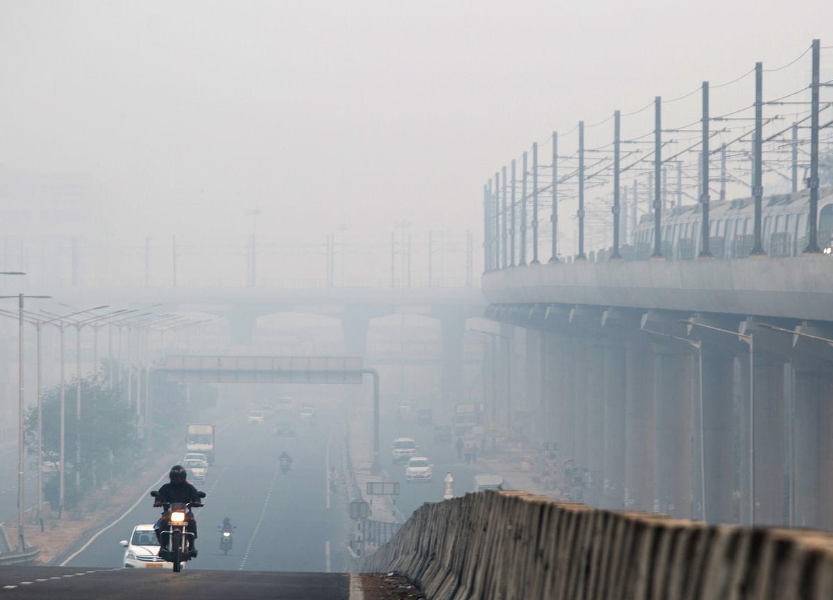 Delhi Remains Shrouded In Toxic Haze, Stubble Burning Primary Reason