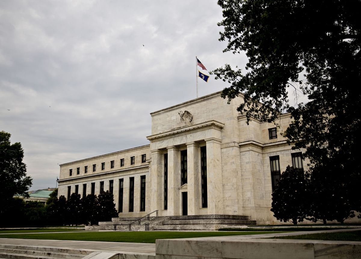 Bets That Fed Rate Cuts Will Dent Dollar May Prove 'Dangerous'