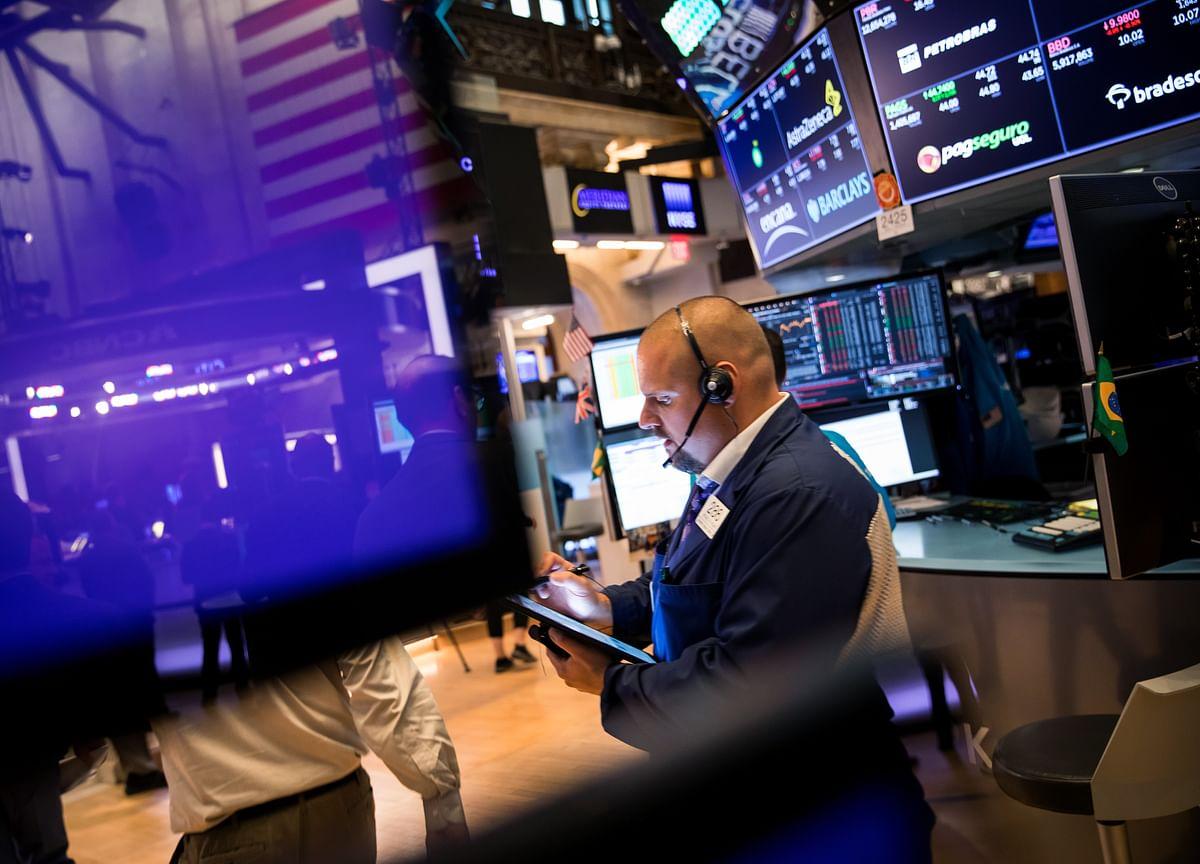 Investors on Recession Watch as Powell Speaks: Economy Week