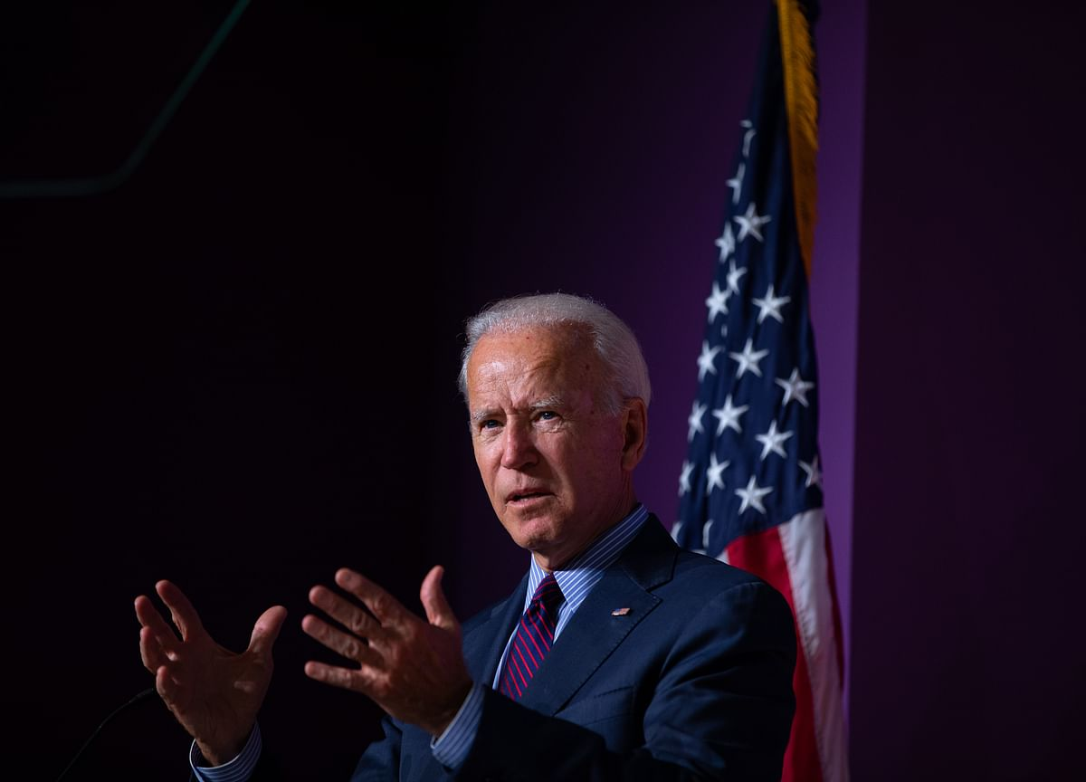 Joe Biden in Danger of Humiliating Loss in Iowa, Top Democrats Warn