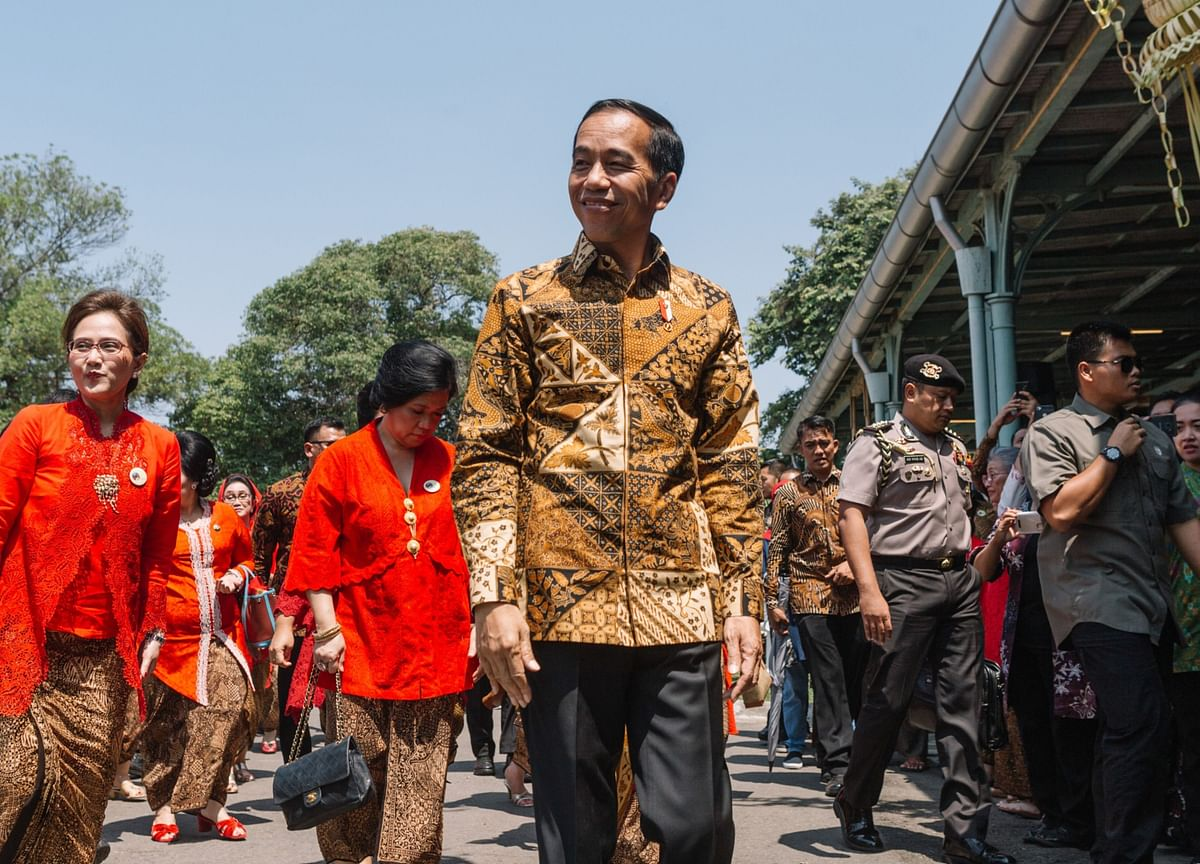 Jokowi's Cabinet Is a Blend of Politicians, Tycoons, and Technocrats