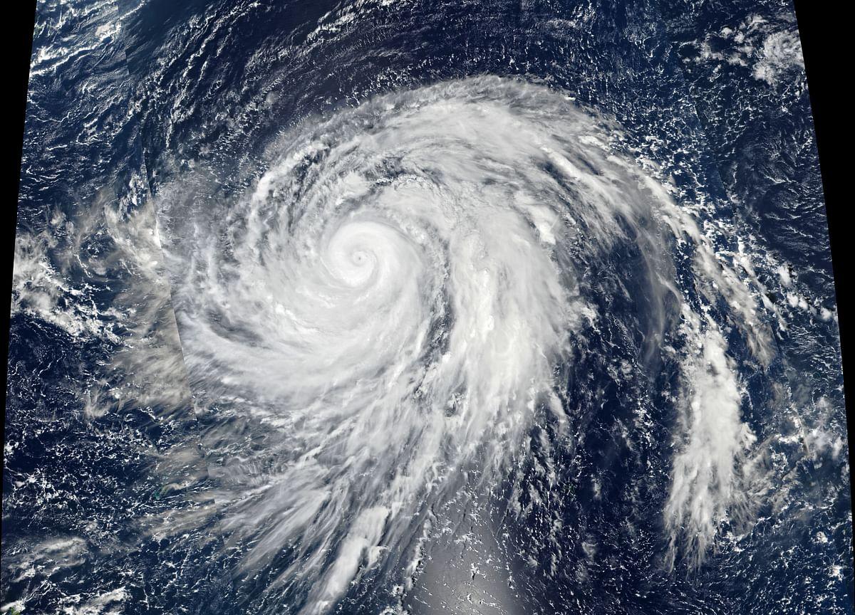 Violent Typhoon Heads for Japan, Canceling Over 1,000 Flights