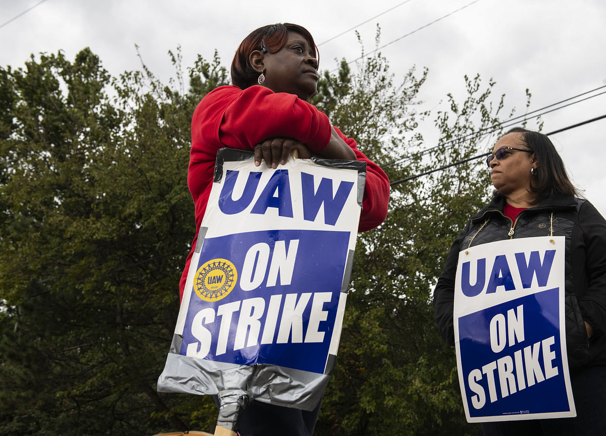 GM Has a Deal, But End to UAW's Strike Could Be Weeks Away