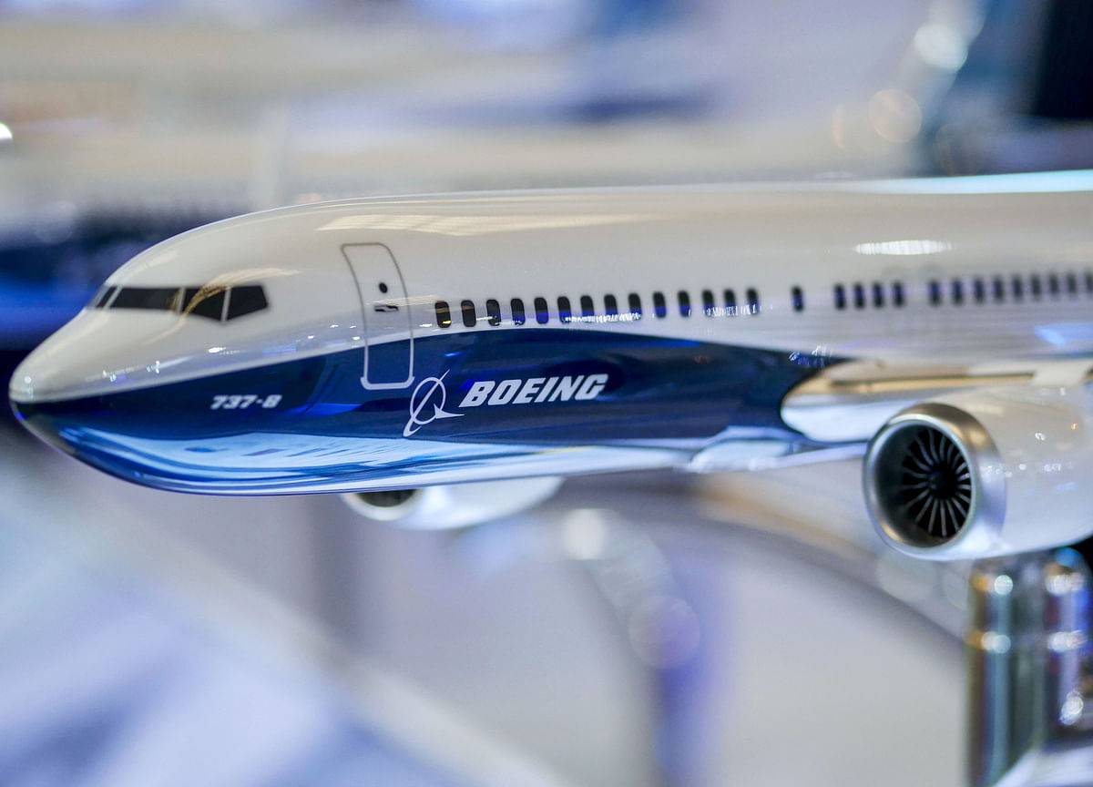 Boeing Weighs Cutting or Halting 737 MAX Production: WSJ