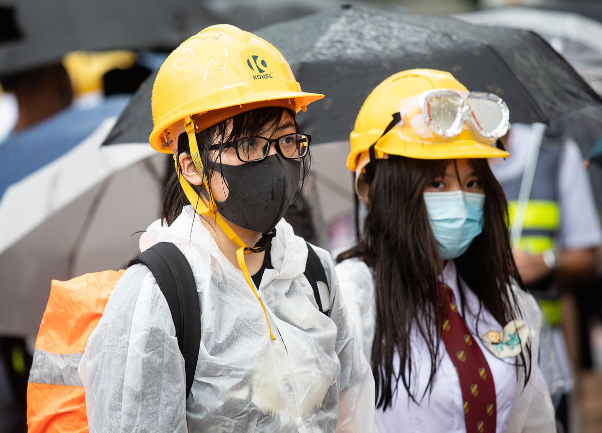 Hong Kong Invokes Emergency Rule to Ban Face Masks, Now TV Says