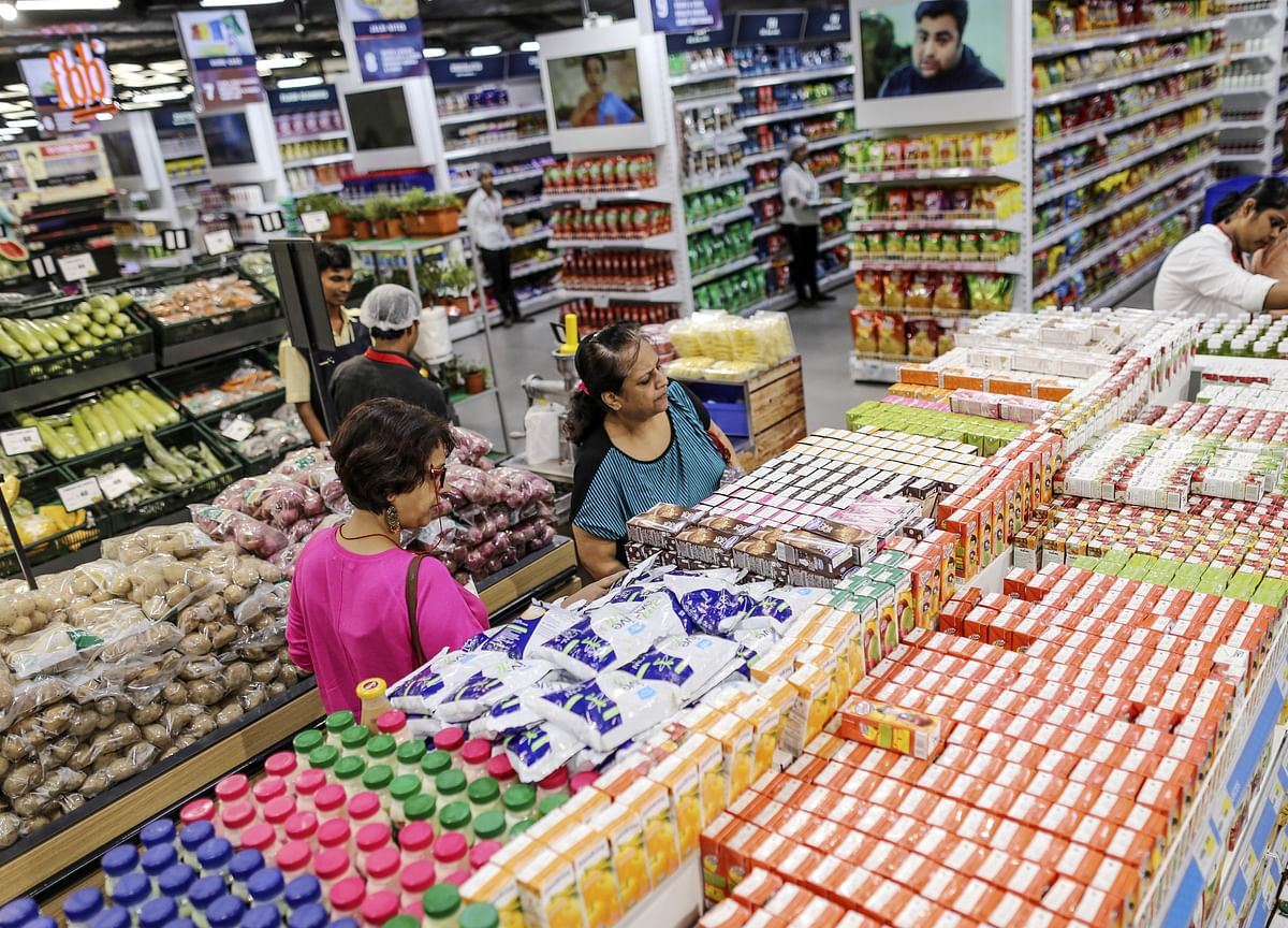 India Consumers' Mood Is Worsening, Slack Building, Surveys Show