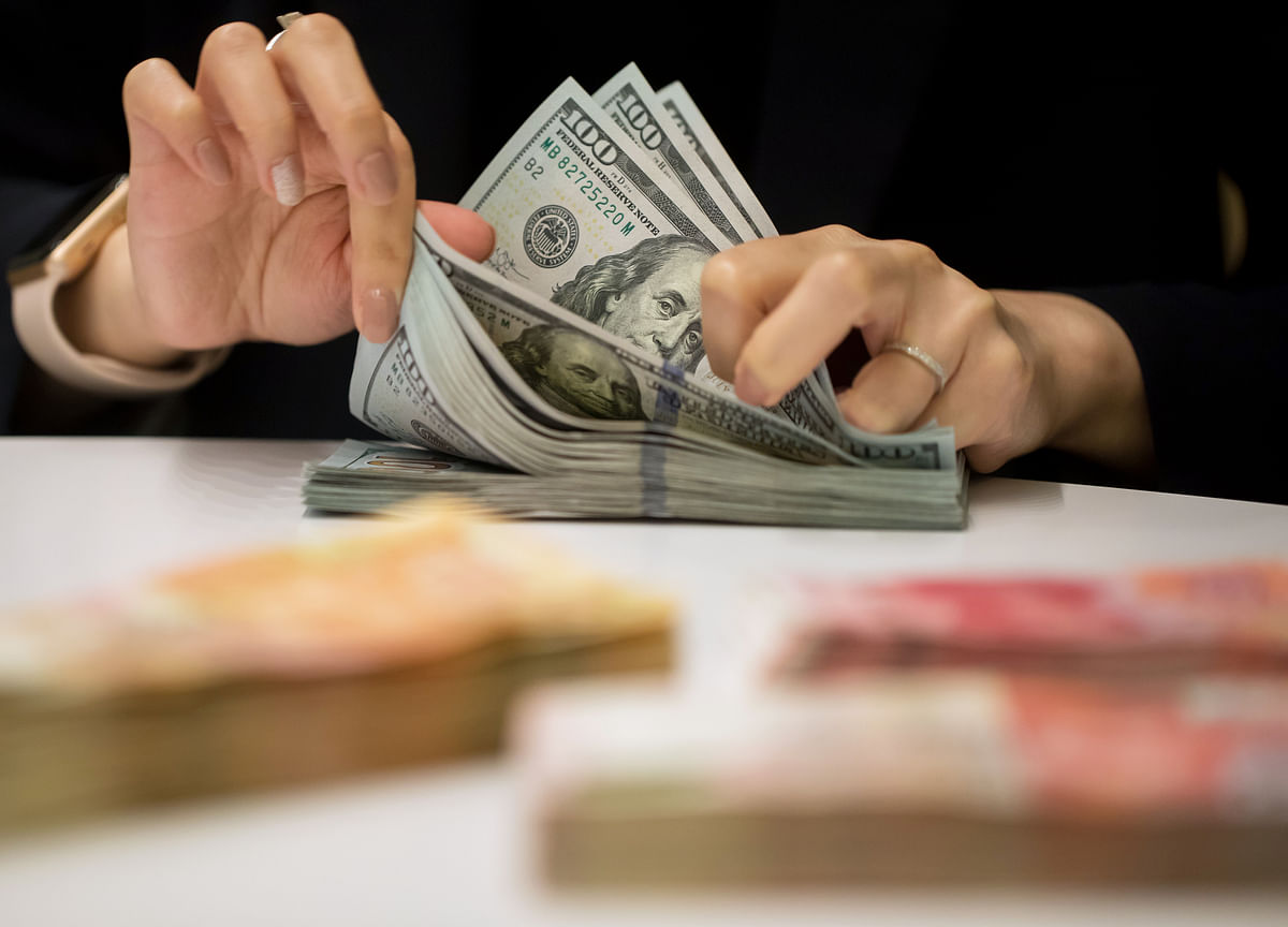 Bond Bulls Shake Off Trade Progress as Global Concerns Persist