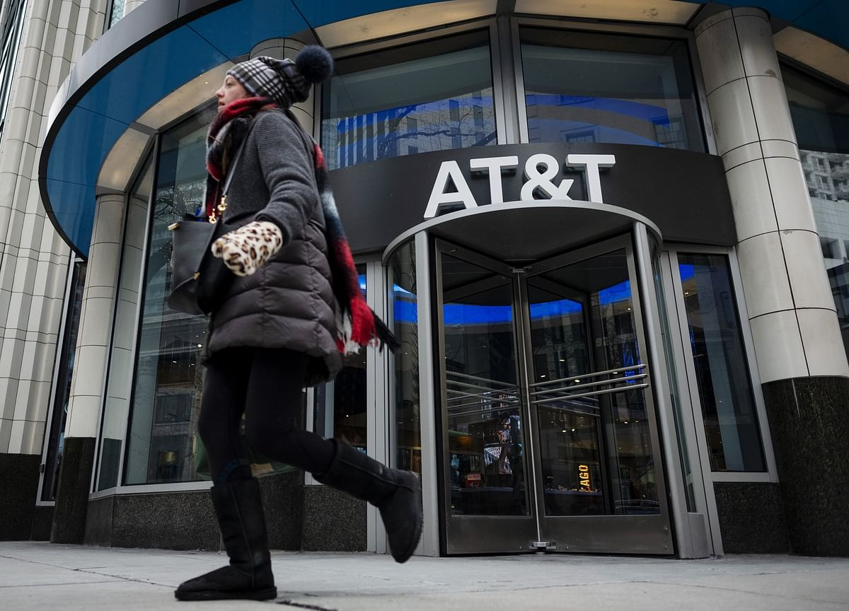 AT&T Holds Truce Talks With Elliott to Resolve Activist Campaign