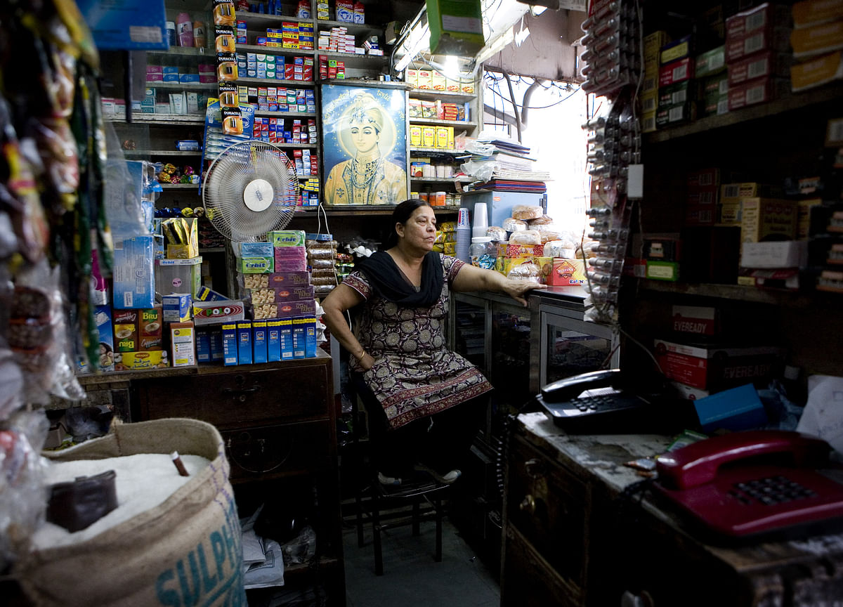 Top Tech Investor Bets India Corner Shops Can Fight Amazon