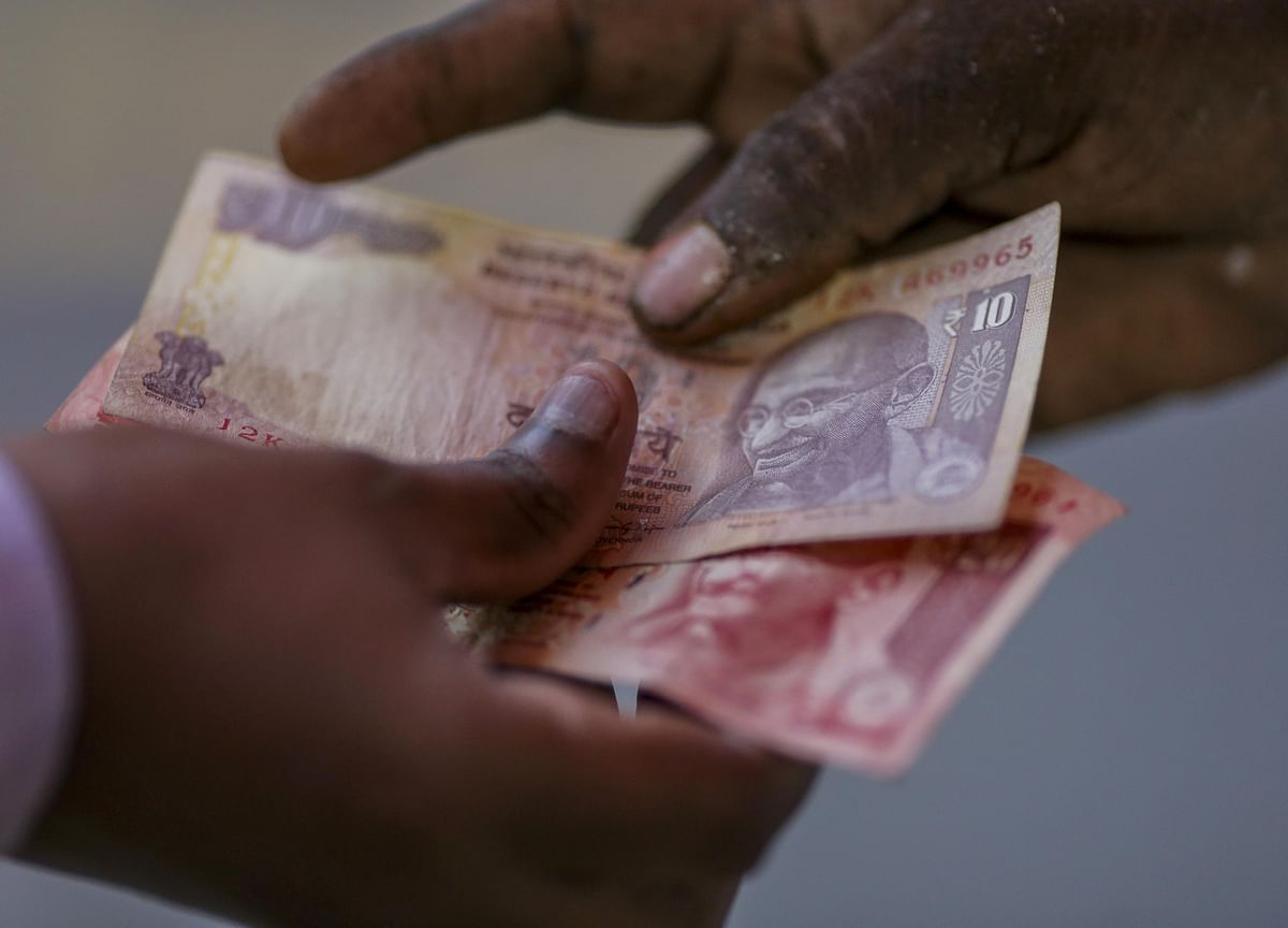 Bringing Rupee Trading Home, India Takes Steps to Deepen Markets