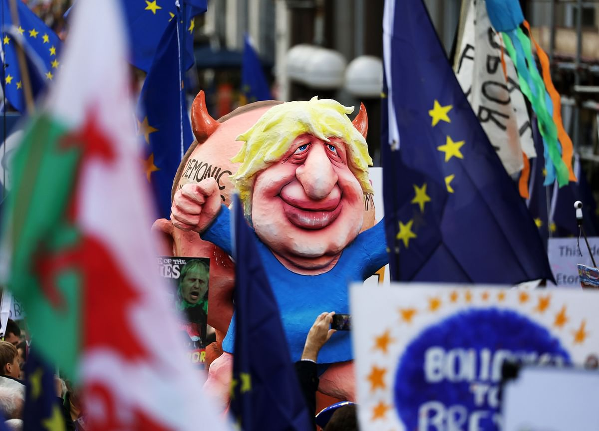 Johnson Tells Tusk U.K. Will Send Letter For Brexit Delay