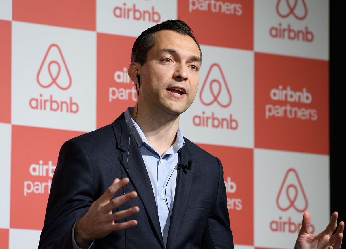 Airbnb Leans Toward Direct Listing Over Traditional IPO