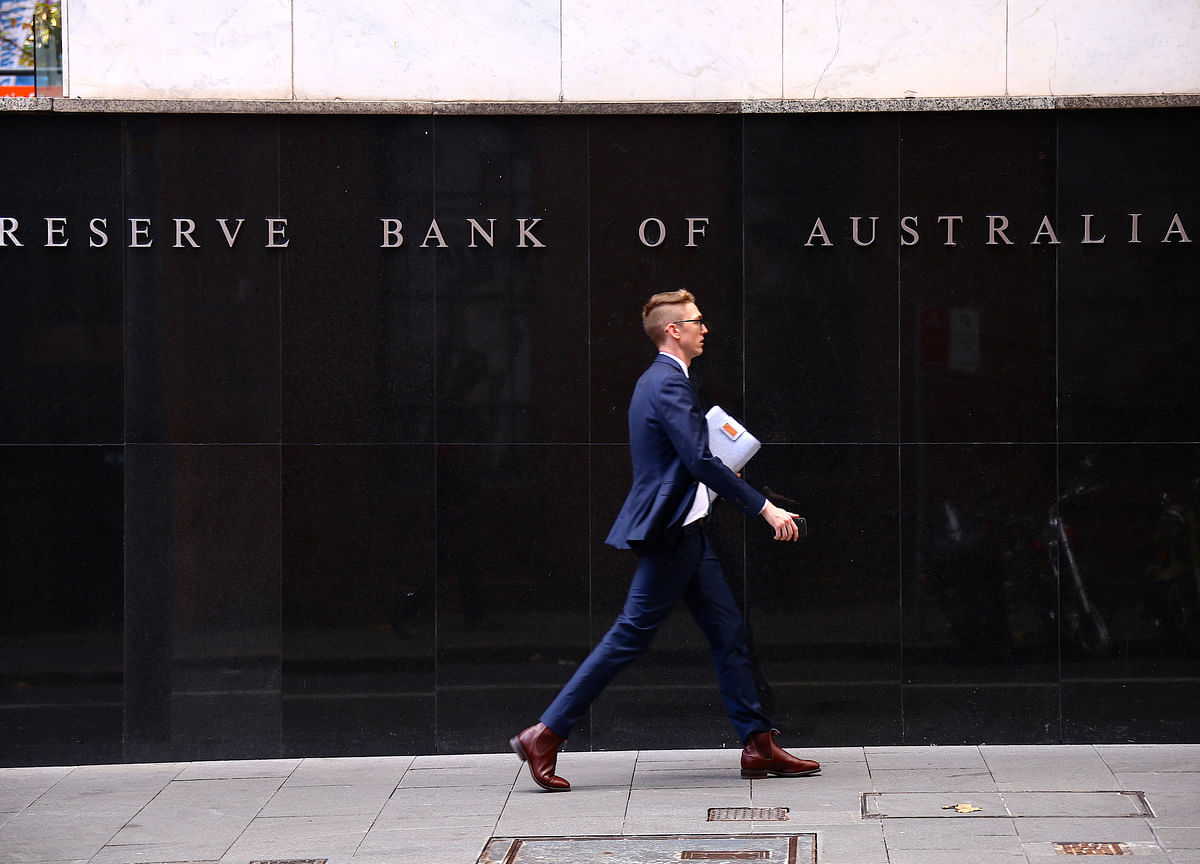 Australia Cuts Rates to Record-Low 0.75% as Global Risks Mount