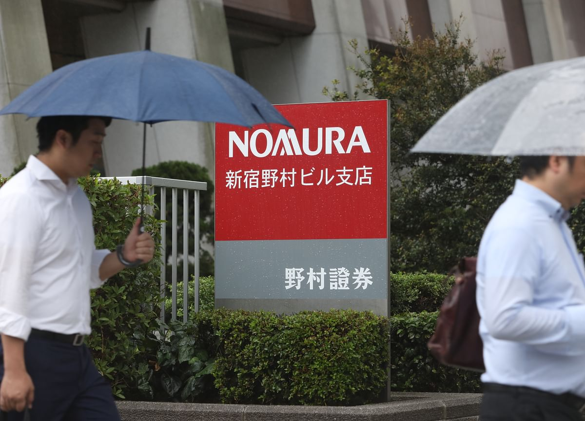 Virus Forces Nomura to Rethink Bets on Low-Yield Currencies