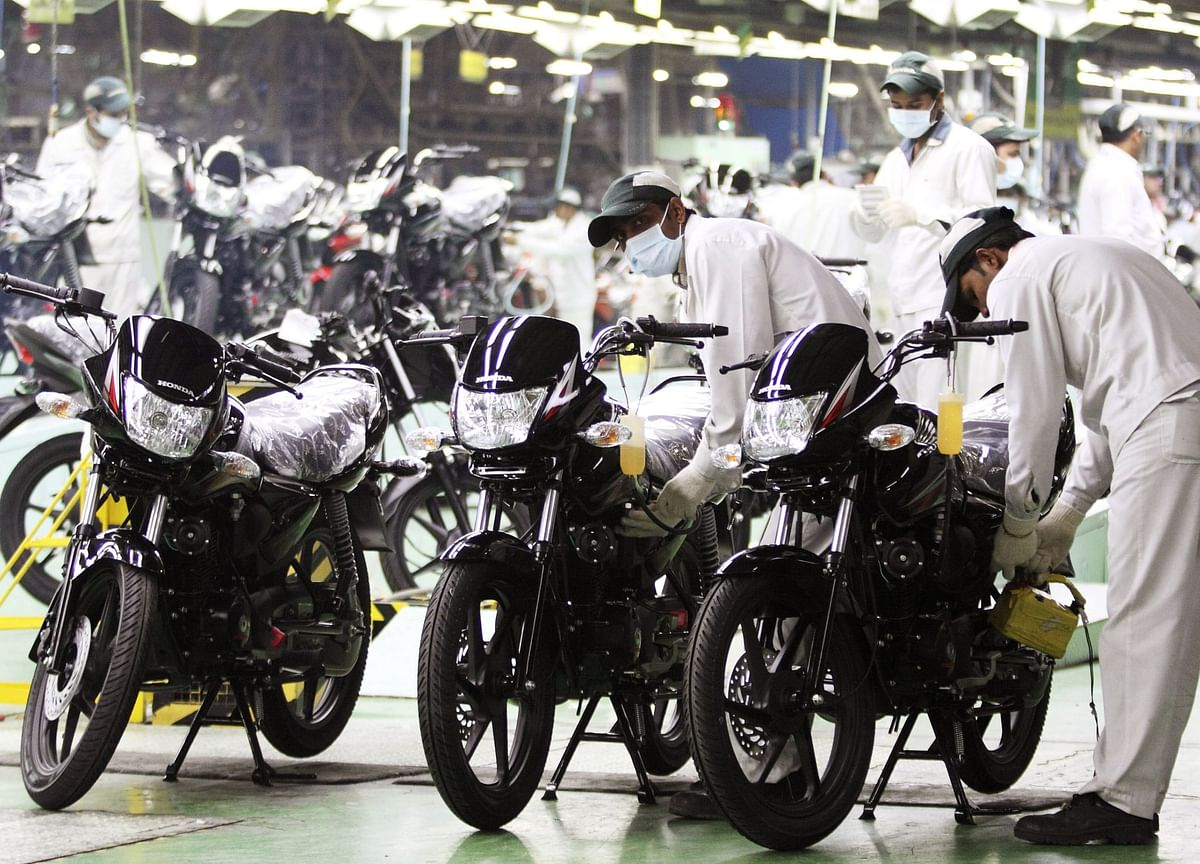 Two-Wheelers Drive Auto Inventory In September As Dealers Stock Up For Festive Season