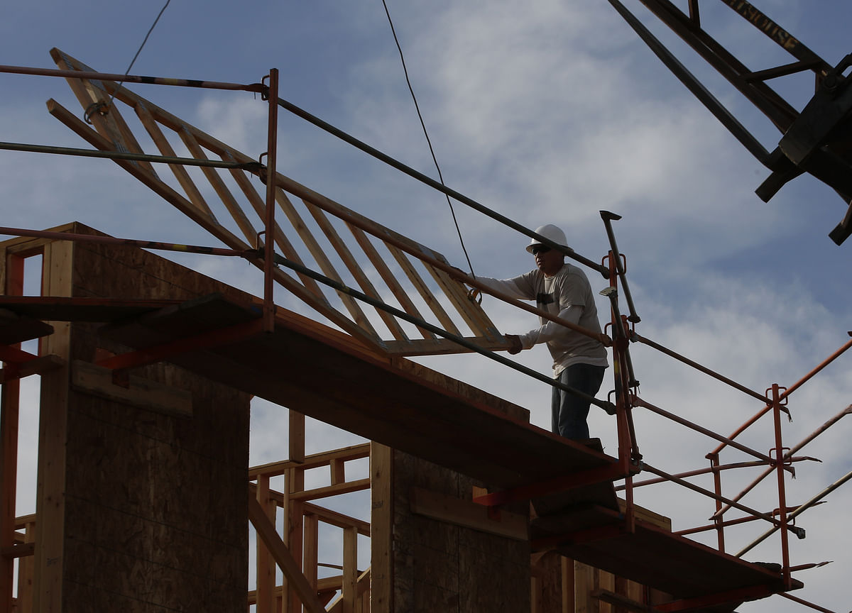 U.S. Homebuilder Sentiment Eases for First Time in Five Months