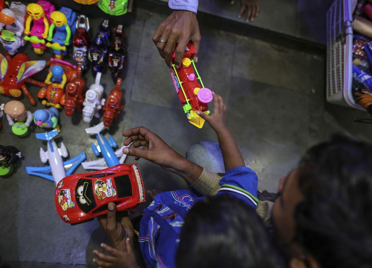 Karnataka Bank Reports Rs 40.39 Crore Fraud By Hanung Toys & Textiles