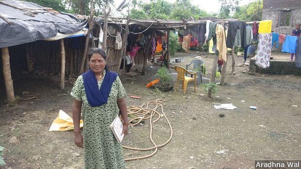 Anita Jangarmade, an ASHA in Matharjun village in Yavatmal, has to survey villagers for the Prerna Prakalp programme on a daily basis.