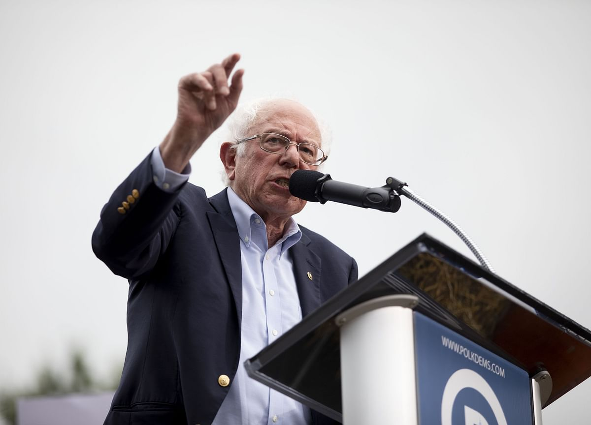 Sanders Leads Presidential Field in Poll of Iowa Democrats