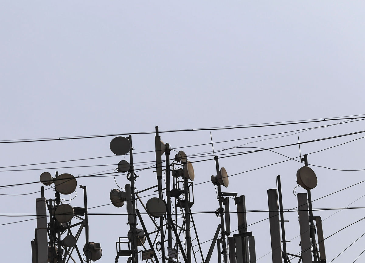 Reliance Jio Likely To Bag Reliance Infratel's Mobile Tower, Optical Fibre For Rs 3,600 Crore