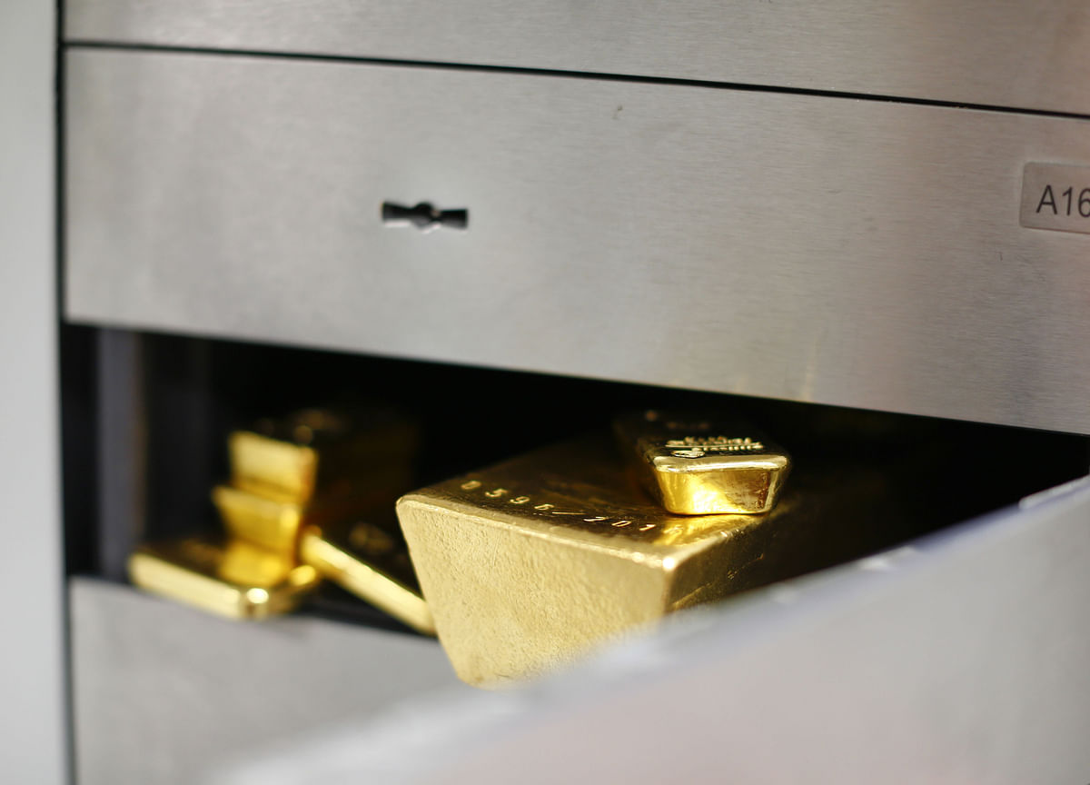 China's Gold-Buying Spree Tops 100 Tons During Trade War