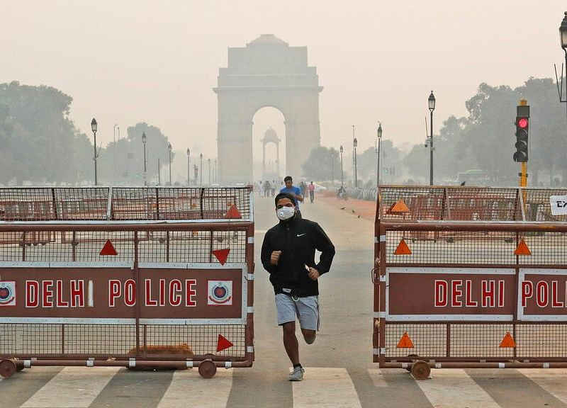 Air Pollution in Delhi Spikes as Deadly Smog Envelops City