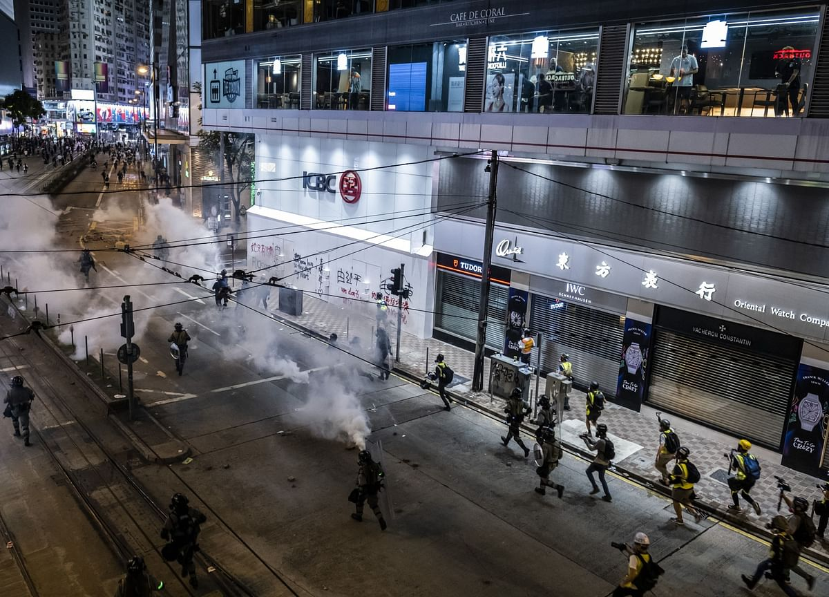 More Than 70 Injured as Hong Kong Protesters, Police Clash