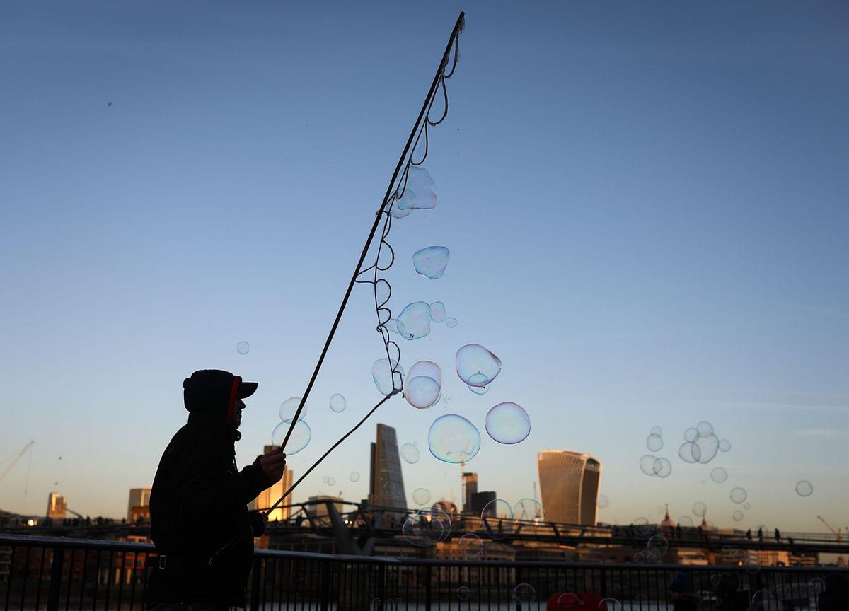Market Defying Logic, But Not In A Bubble Yet, Says Oaktree's Howard Marks