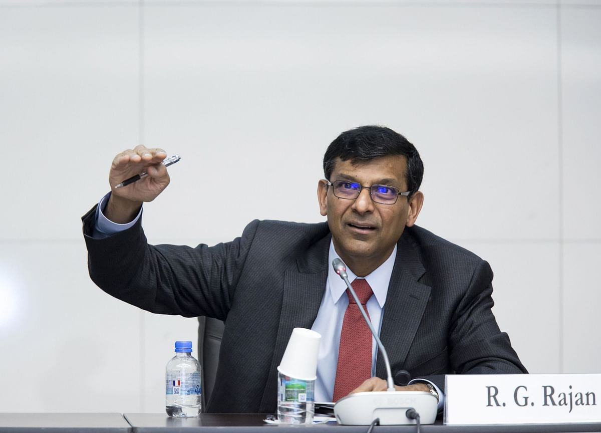 Rajan Says Fight the Virus First, Worry About Stimulus Later