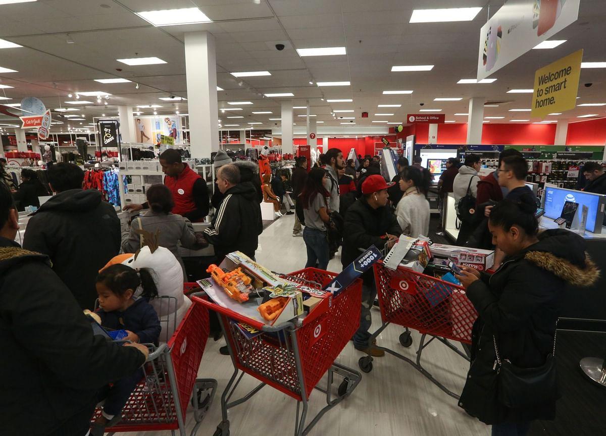 Walmart, Target Outdraw Department Stores: Black Friday Update