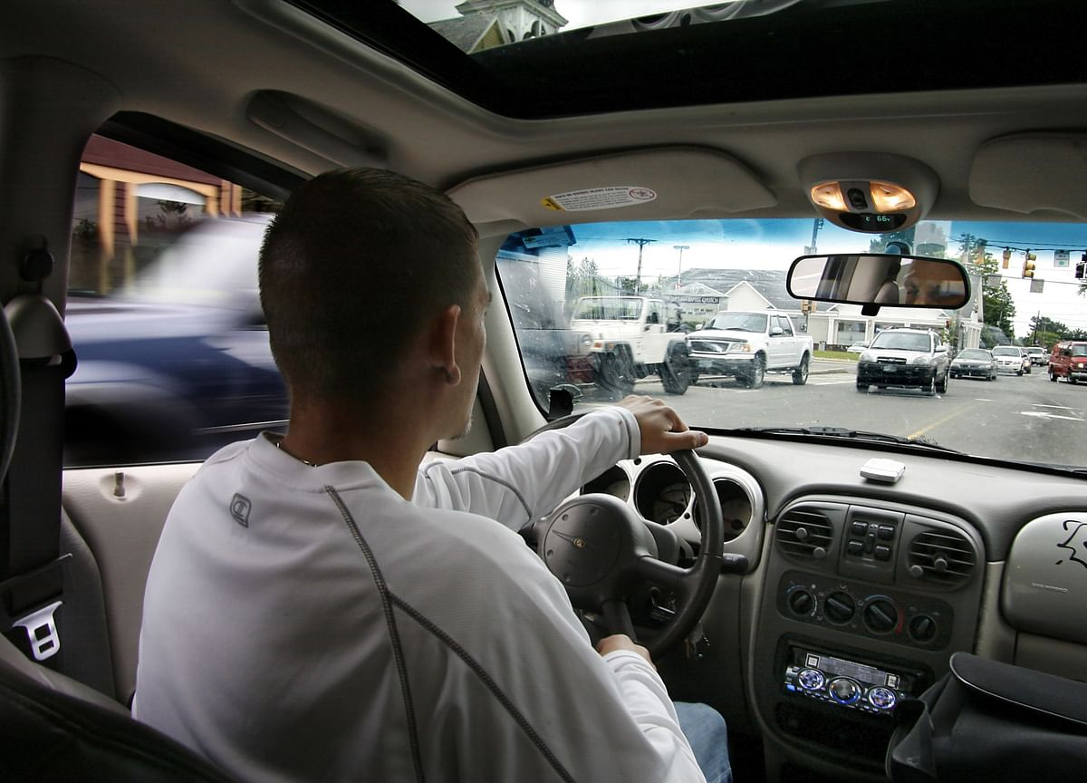 Does Every Car Need a Steering Wheel and Seat Belts? A Tech Lawyer Says No